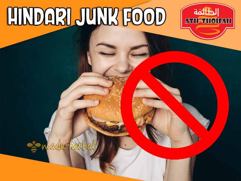 hindari-junk-food-untuk-diet-alami